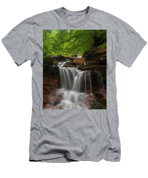 Cold River Men's T-Shirt (Athletic Fit)