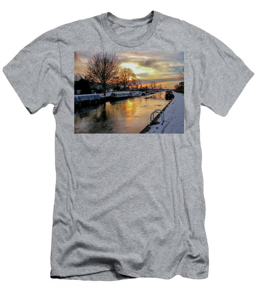 Cranfleet Canal Boats Men's T-Shirt (Athletic Fit)