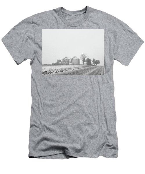 Foggy Farm Men's T-Shirt (Athletic Fit)