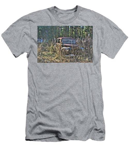 Forest Finds Men's T-Shirt (Athletic Fit)