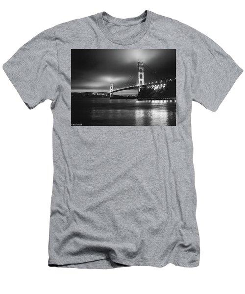 Golden Gate Bridge B/w Men's T-Shirt (Athletic Fit)