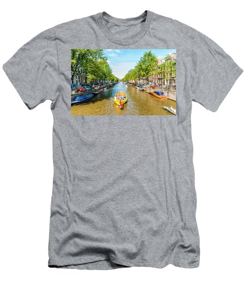 Lazy Sunday On The Canal Men's T-Shirt (Athletic Fit)
