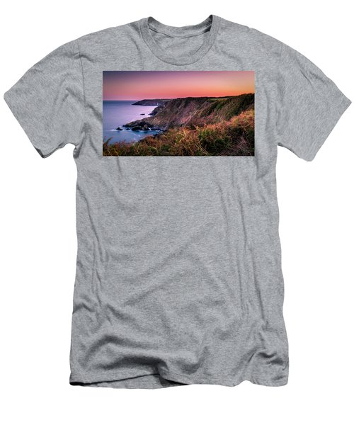 Lizard Point Sunset - Cornwall Men's T-Shirt (Athletic Fit)