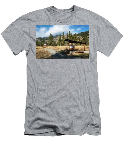 Mazama Barn Trail And Bench Men's T-Shirt (Athletic Fit)