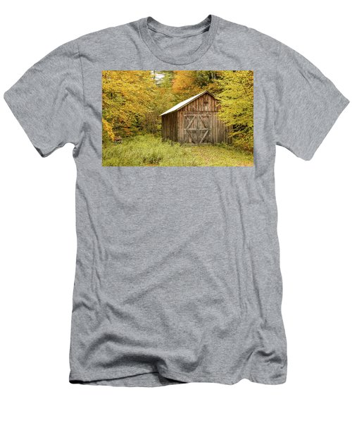 Old Barn New England Men's T-Shirt (Athletic Fit)