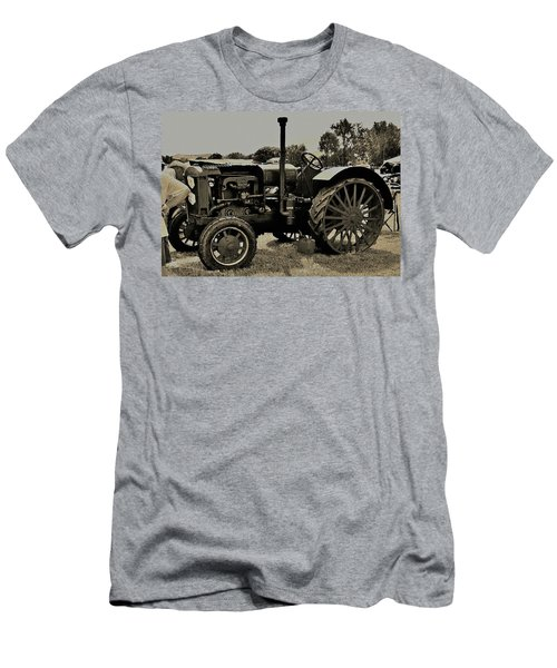 Ye Old Tractor Men's T-Shirt (Athletic Fit)