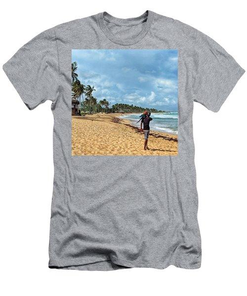 Palm Tree Paradise Men's T-Shirt (Athletic Fit)