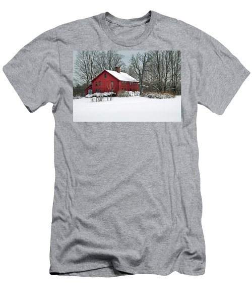 Red New England Colonial In Winter Men's T-Shirt (Athletic Fit)