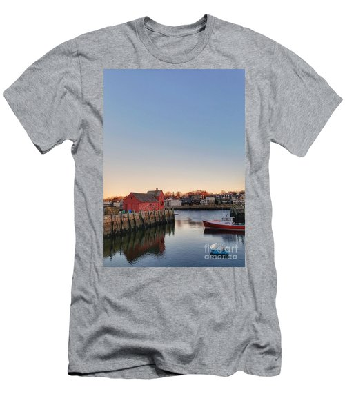 Rockport Massachusetts  Men's T-Shirt (Athletic Fit)