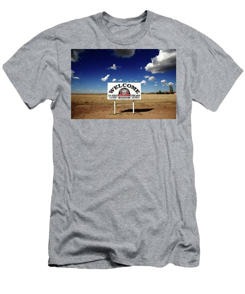 Route 66 - Midpoint Sign 2010 Bw Men's T-Shirt (Athletic Fit)