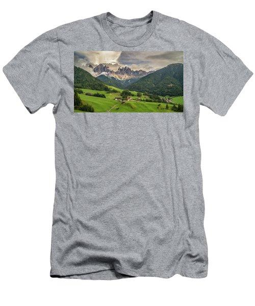 Santa Maddalena Men's T-Shirt (Athletic Fit)