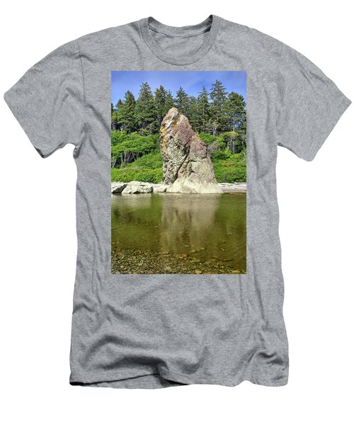 Sea Stack At Ruby Beach  Men's T-Shirt (Athletic Fit)
