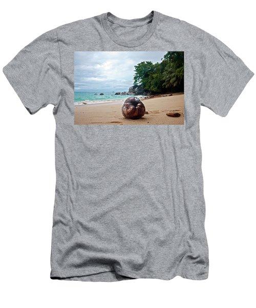 Seychelles  Men's T-Shirt (Athletic Fit)