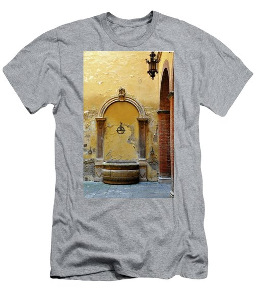 Sienna Fountain Courtyard Men's T-Shirt (Athletic Fit)