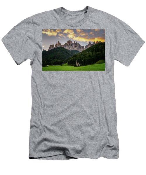 St Johann Sunrise Men's T-Shirt (Athletic Fit)