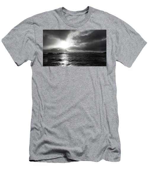 stormy coastline in northern Norway Men's T-Shirt (Athletic Fit)