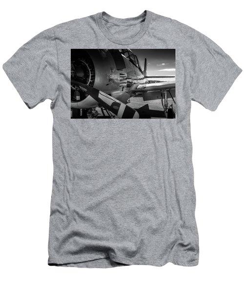 T-28b Trojan In Bw Men's T-Shirt (Athletic Fit)