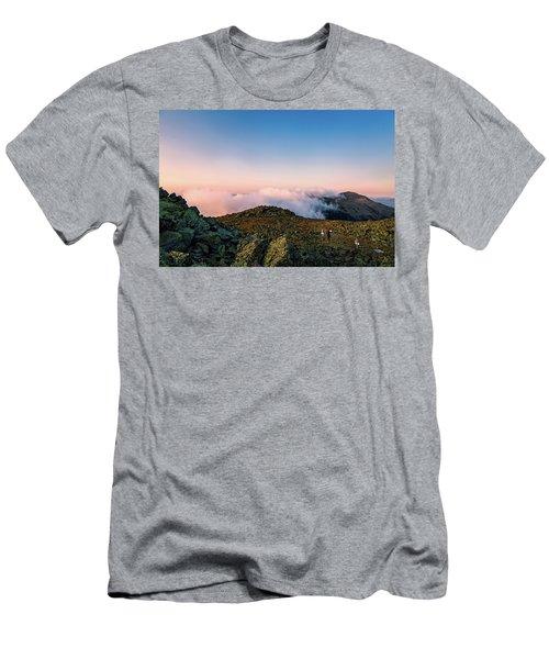 The Hiker - Mt Jefferson, Nh Men's T-Shirt (Athletic Fit)