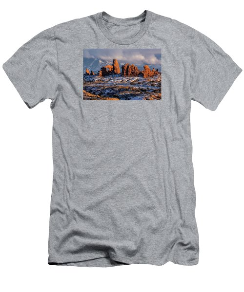 Turret Arch Winter Sunset Men's T-Shirt (Athletic Fit)