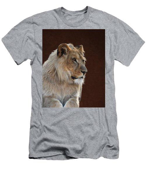 Young Male Lion Portrait Men's T-Shirt (Athletic Fit)
