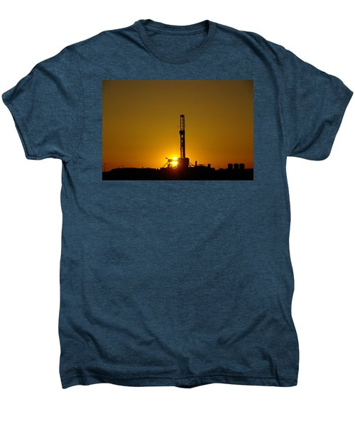 Oil Rig Near Killdeer In The Morn Men's Premium T-Shirt