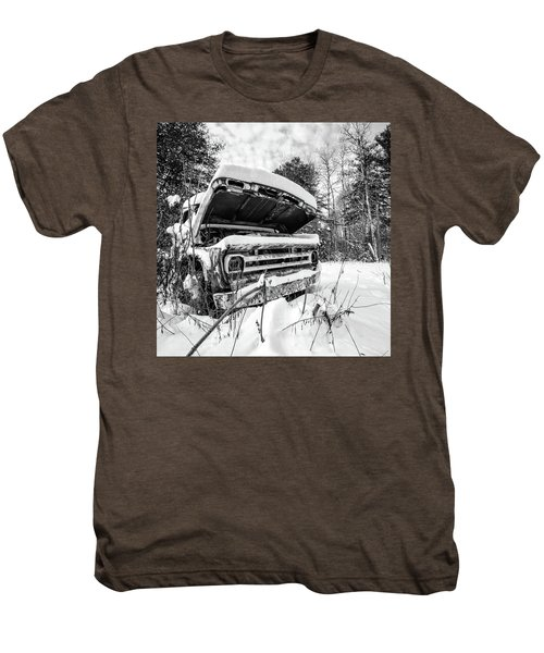 Old Abandoned Pickup Truck In The Snow Men's Premium T-Shirt