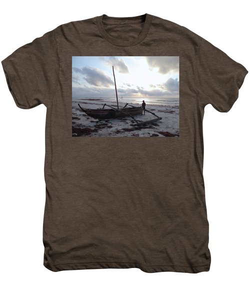 Dhow Wooden Boats At Sunrise With Fisherman Men's Premium T-Shirt