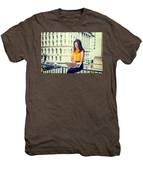 East Indian American Businesswoman In New York Men's Premium T-Shirt