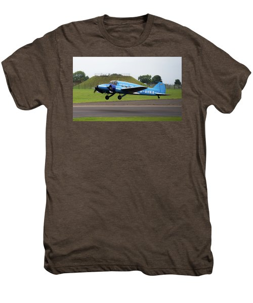 Raf Scampton 2017 - Avro Anson Nineteen During Take Off Men's Premium T-Shirt