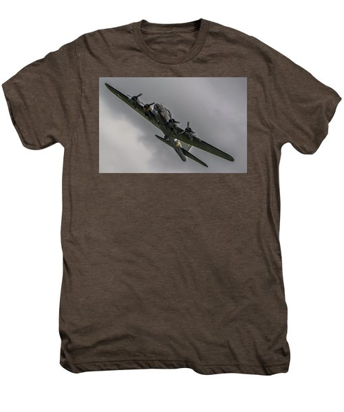 Raf Scampton 2017 - B-17 Flying Fortress Sally B Turning Men's Premium T-Shirt