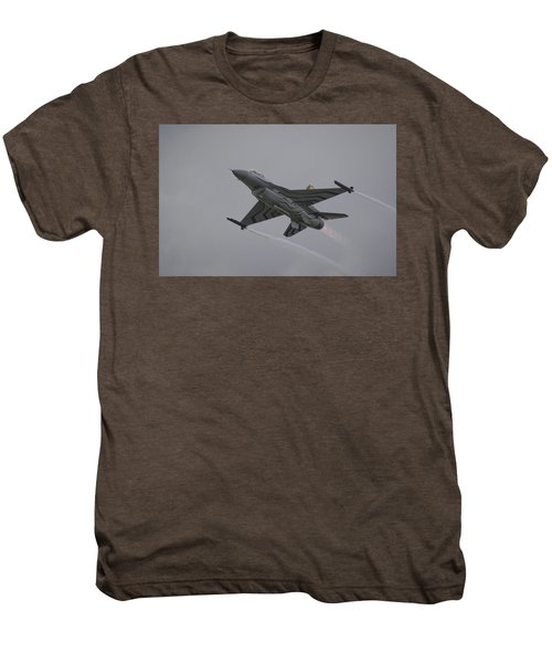 Raf Scampton 2017 - F-16 Fighting Falcon Men's Premium T-Shirt