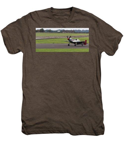 Raf Scampton 2017 - P-51 Mustang Landing Men's Premium T-Shirt