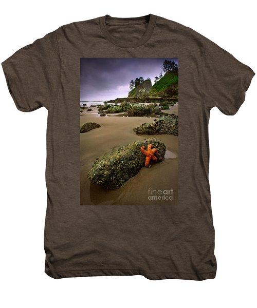 Starfish On The Rocks Men's Premium T-Shirt