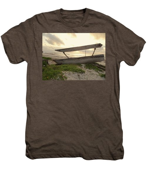 Sun Rays And Wooden Dhows Men's Premium T-Shirt