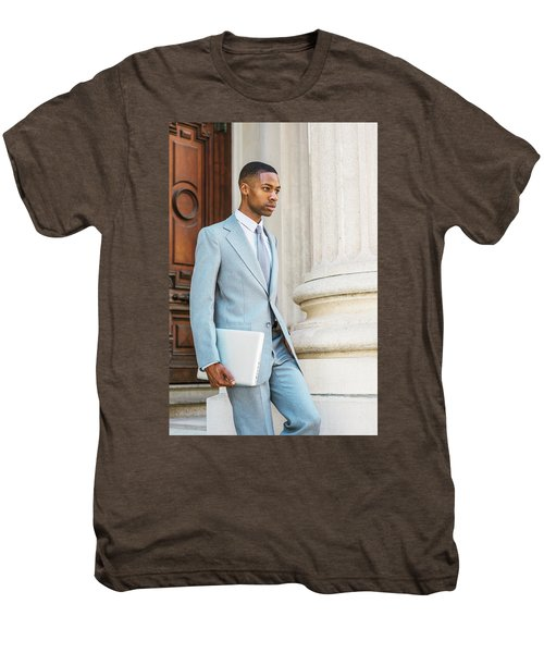 Young African American Businessman Working In New York Men's Premium T-Shirt