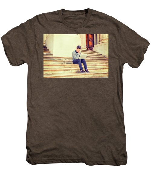 Young College Student Studying In New York 15042516 Men's Premium T-Shirt