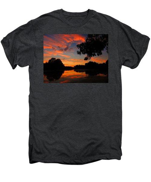 Marlu Lake At Sunset Men's Premium T-Shirt