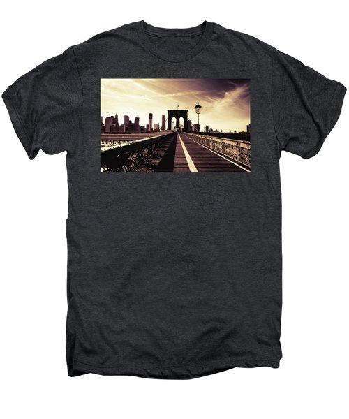 The Brooklyn Bridge - New York City Men's Premium T-Shirt
