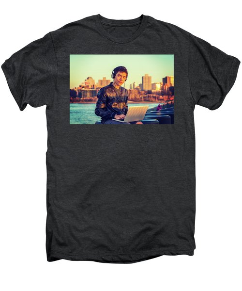 Asian American College Student Traveling, Studying In New York Men's Premium T-Shirt