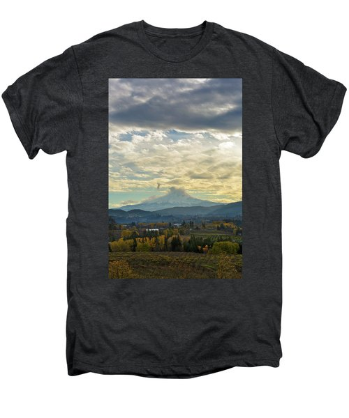Cloudy Day Over Mount Hood At Hood River Oregon Men's Premium T-Shirt