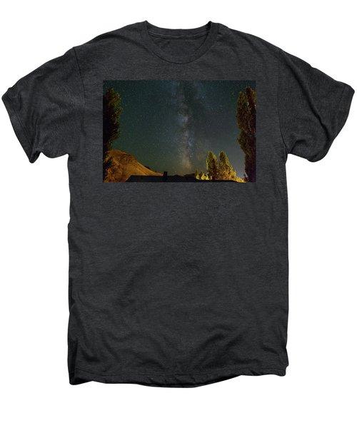 Milky Way Over Farmland In Central Oregon Men's Premium T-Shirt