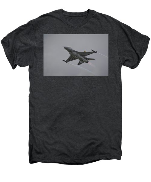 Raf Scampton 2017 - F-16 Fighting Falcon Men's Premium T-Shirt