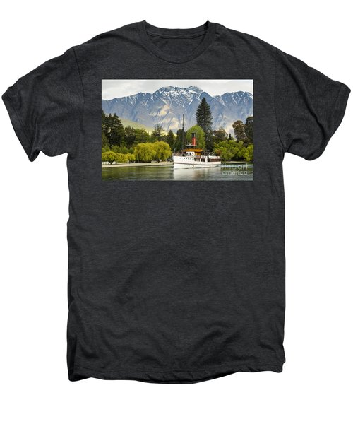 Men's Premium T-Shirt featuring the photograph The Earnslaw by Werner Padarin
