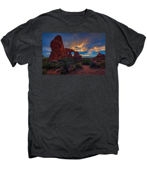 Turret Arch Men's Premium T-Shirt