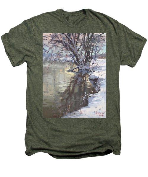 Snowy Hyde Park Men's Premium T-Shirt