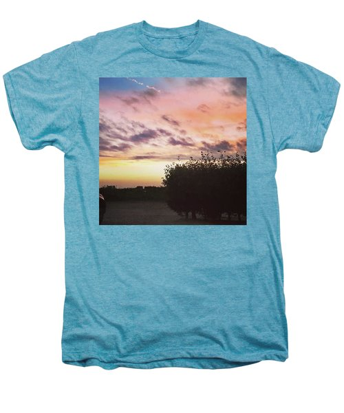 A Beautiful Morning Sky At 06:30 This Men's Premium T-Shirt