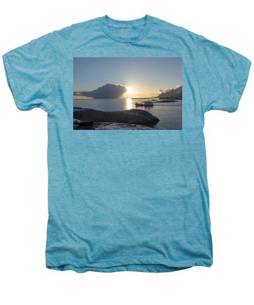 Cast A Giant Shadow... Reine Lofoten Men's Premium T-Shirt