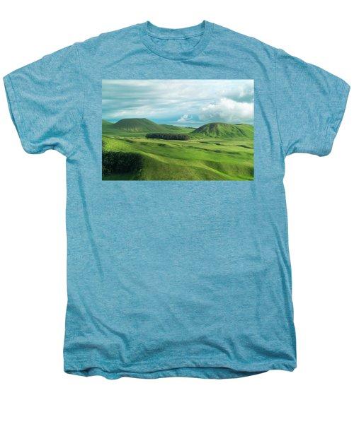 Green Hills On The Big Island Of Hawaii Men's Premium T-Shirt