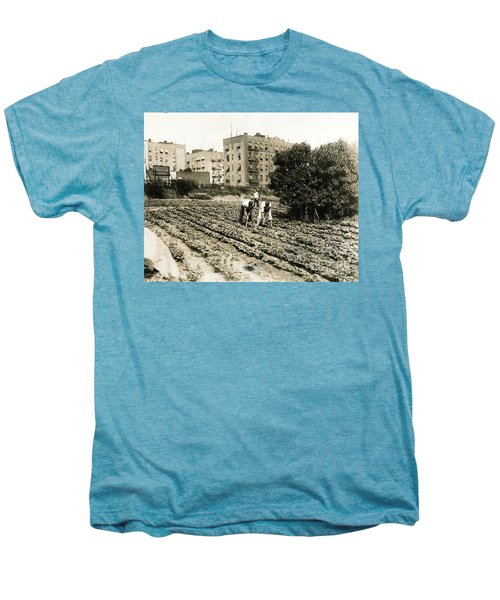 Last Working Farm In Manhattan Men's Premium T-Shirt