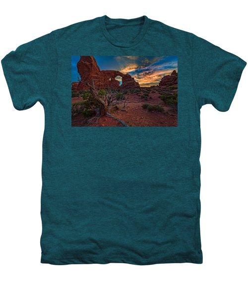 Turret Arch At Sunset Men's Premium T-Shirt